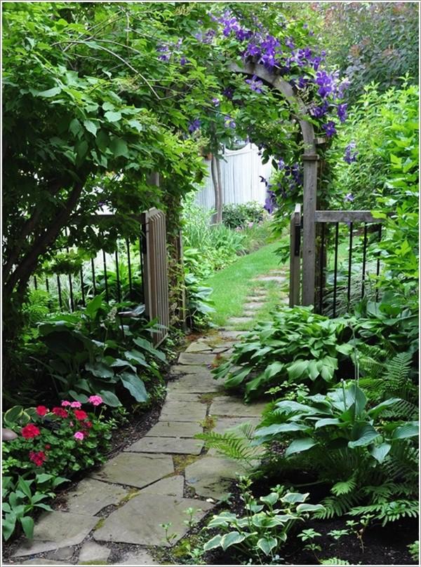 Nhà vườn đẹp đơn giản trang trí bằng đá xanh 1
