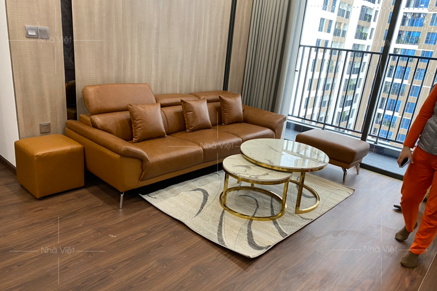 Giao ghế sofa và bàn trà nhà chị Minh Hải - Chung cư 6th Element - Nguyễn Văn Huyên