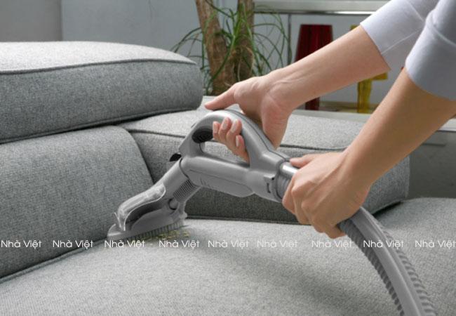 Kinh nghiệm làm sạch vết bẩn trên sofa nỉ chỉ trong 4 bước