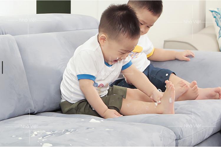 Kinh nghiệm dùng sofa phòng khách khi nhà có trẻ nhỏ
