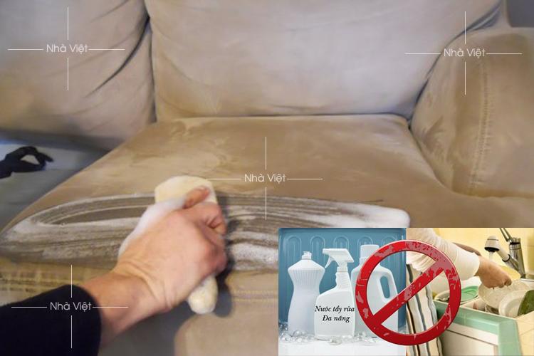 Ba sai lầm nên tránh khi vệ sinh bộ sofa da thật mà bạn cần biết